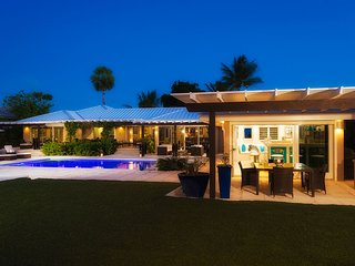 Newly refurbished, fully air conditioned, contemporary style villa