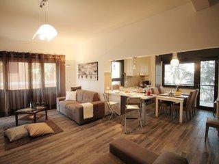 Sommozzatori- 3BR Family Apartment in EUR Rome