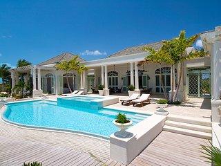 Beautiful 5 bedroom villa with gracious outdoor living, Providenciales