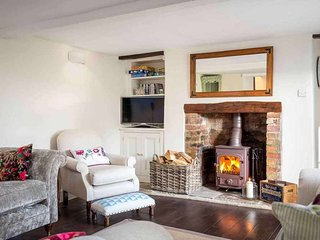 Friesland Cottage is a lovely Cotswold stone cottage, dating back to the 1700s