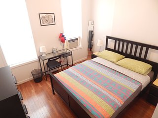 The Best Flat in Lower East Side (sleeps 5), New York City