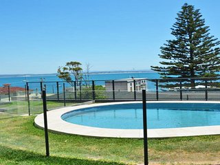 3 'Sundeck' 51 Ronald Avenue, Shoal Bay