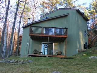 3 Bedroom Private Home with Mountain Views!