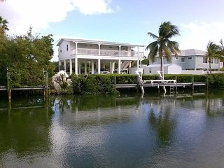 Sombrero Beach, canal front home with pool!