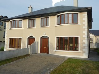 5 Bed Modern House, Galway