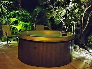 P29 Hot Tub Hideaway, Key Colony Beach