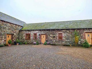 DOVE COTTAGE, all ground floor, woodburner, use of hot tub, in Milton, Ref