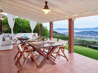 Luxury Private Villa with Magic View - Villa Eleven