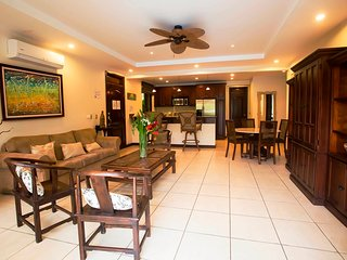 Family condo#4 with direct access to the pool, Jaco