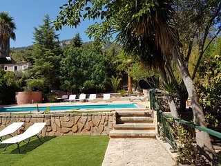 Spacious house, large swimming-pool in Esporles, Serra de Tramuntana, Mallorca.