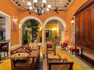 Casa Castellanos full of Light and Color, Merida