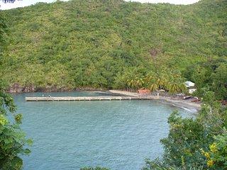 La plage d'Anse Noire à 80 mètres
