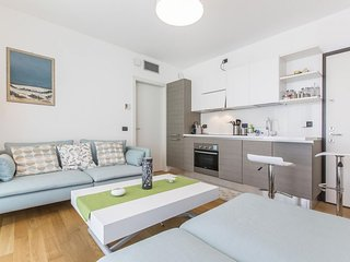 Spacious Modern Suite apartment in Città Studi with WiFi, integrated air conditi