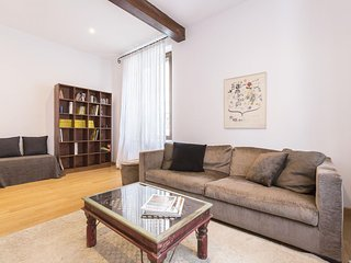 Spacious Via Tortona Prestige apartment in Navigli with WiFi & air conditioning.