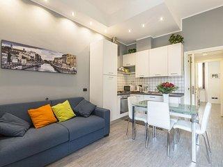 Porta Romana Bright apartment in Porta Romana with WiFi, airconditioning & lift.