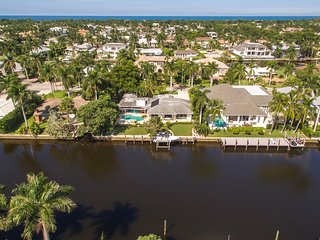 Waterfront Home - 6. Blocks from beach - Aqualane Shores - with optional boat, Naples