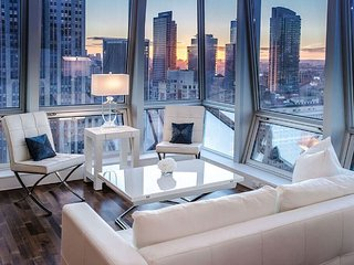 Midtown Jewel Amethyst 1 Bedroom 1.5 Bathroom Apartment on West 36th & 5th