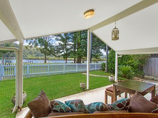 HOLIDAY RETREAT BY THE CREEK, Patonga