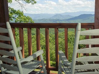 Cloud Nine ~ RA131409, Sevierville