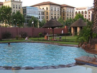 MaBella Lodge Self Catering Apartment, Fourways