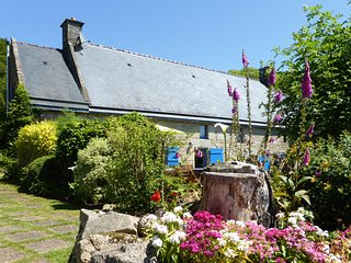 Le Crann hamlet - Two 16 C cottages perfect for large groups - Pool, Bikes, View, Quistinic