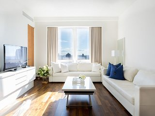 Midtown Jewel Sapphire, 2 Bedroom 2.5 Bathroom on 5th Avenue & West 36th Street