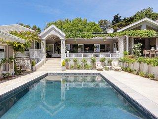 Stunning luxury Constantia villa