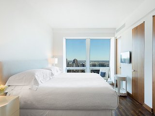 Breathtaking 6/7 Bedroom 6.5 Bathroom Apartment Near 5th Ave, Downtown, Sleeps20