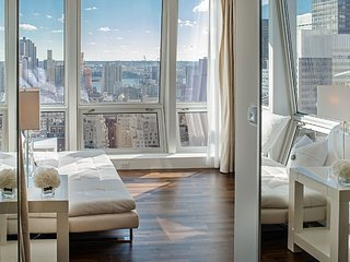 Midtown Jewel Diamond, 4 BR Apartment near Empire State Building