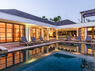 Cozy 4Bed Tropical House in Umalas, Canggu