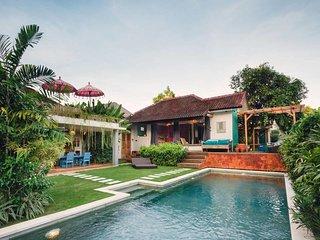 Tropical Quirky Villa Umalas / Seminyak
