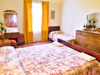 Antique-style two bedroom apartament, Good Price !