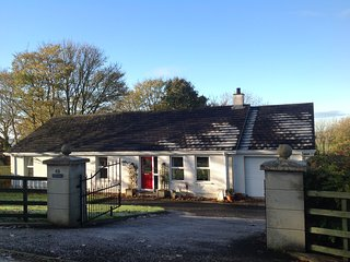 Cooke Cottage WIFI, LUXURY, COMFORT & PEACE. Beautiful countryside near the city, Derry