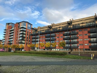 Cutty Sark Apartment (sleeps 7) Free Car Park, Glasgow