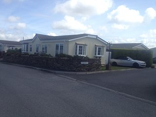 Holiday lodge in the Seven Bays area of North Cornwall, St Merryn