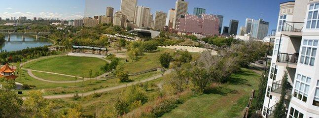 Vista del río, Louise McKinney Park y el centro de una sola vez