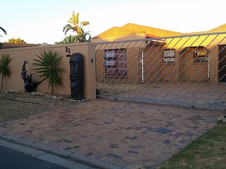 3 bedroom Home near kite beach  Blouberg Cape Town, Bloubergstrand