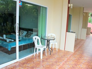 New Apartment with Kitchen near Beach 2fl A