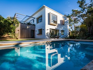 PROMO Apr:Stunning 5bedR Design Contemporary Villa in Bidart -Pool & Ocean views