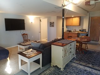 40 miles to Washington DC Efficiency sleeps 5 only 75.00 night, Olney