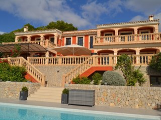 Luxury villa overlooking Puerto Portals/Mallorca