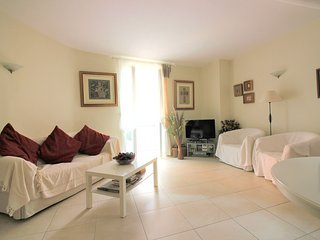 Large 3 Bedrooms Apartment - Villefranche Old Town, Villefranche-sur-Mer