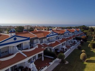 Enjoy holiday on luxury home for a few minutes walking to the beach and golf, Amoreira