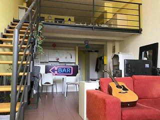 Stunning 2-level loft!, Milán