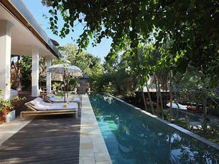 Beautiful Traditional Balinese 5 BR Villa in Umalas, between Seminyak and Canggu
