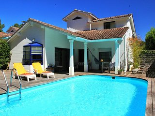 Private Villa with pool and close to beach & golf