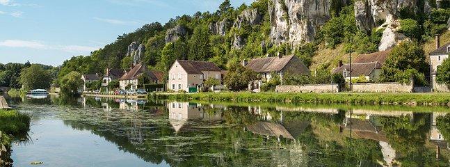 De rivier de Yonne en Roches du Saussois - 5 minuten van onze voordeur!
