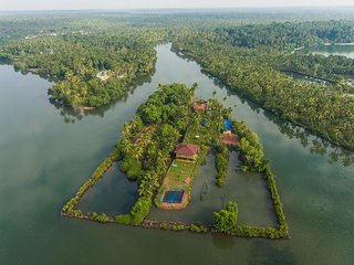 Vini's Farm -Own an island -Ideally for a couple-Privacy Redefined