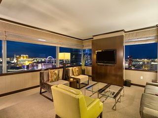 Big 2+BR Vdara Corner Penthouse! Stunner Bellagio Fountain View! Sleeps 6! 42 Fl