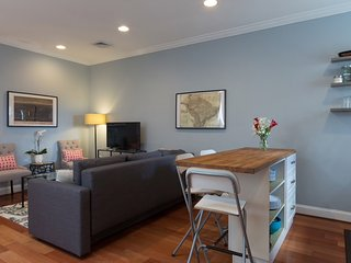 Beautiful 3BR 3BA NoMa Condo Convenient to Everything, Washington